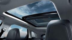 Nuova Peugeot 3008: tanto spazio sia per le gambe sia per la testa