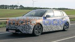 Nuova Peugeot 308 2021, avrà un nuovo logo sulla calandra?