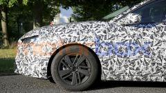 Nuova Peugeot 308 2021, dettaglio della ruota anteriore