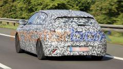 Nuova Peugeot 308 2021, il muletto viaggia carico