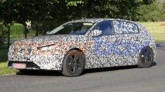 Nuova Peugeot 308 2021, lo sguardo dei fari sembra molto accigliato