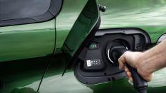 Nuova Peugeot 308: la presa di ricarica sul lato posteriore sinistro