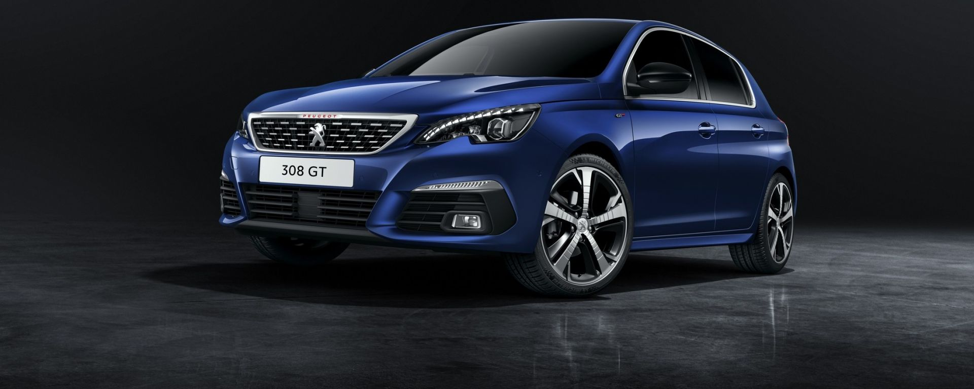 Nuova Peugeot 308: vista 3/4 anteriore