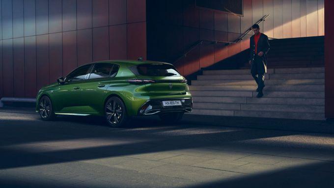 Nuova Peugeot 308: visuale di 3/4 posteriore
