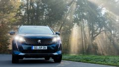 Nuova Peugeot 5008 2021, la firma luminosa