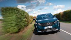 Nuova Peugeot 5008 2021, la prova su strada