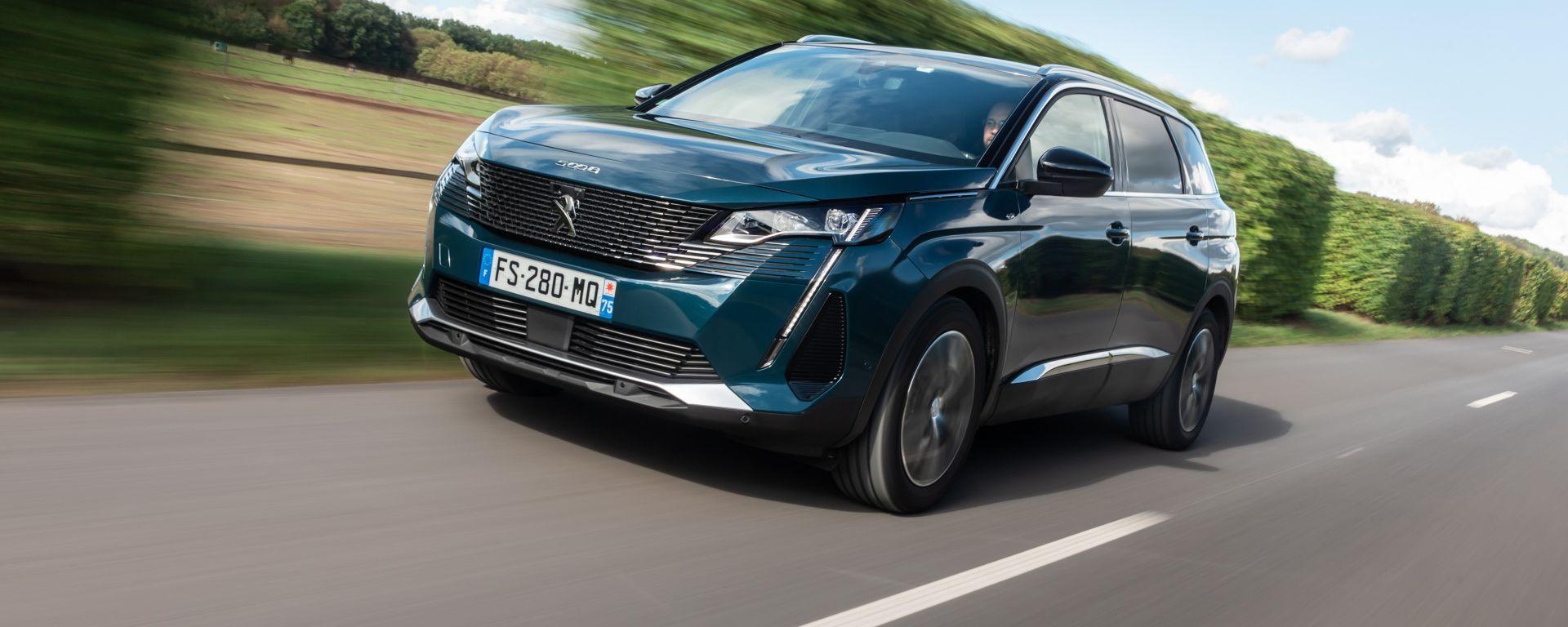 Nuova Peugeot 5008 2021
