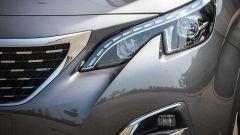 Nuova Peugeot 5008: fari full Led