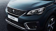 Nuova Peugeot 5008: il frontale assomiglia molto a quello della nuova 3008