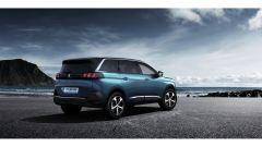 Nuova Peugeot 5008: vista 3/4 posteriore