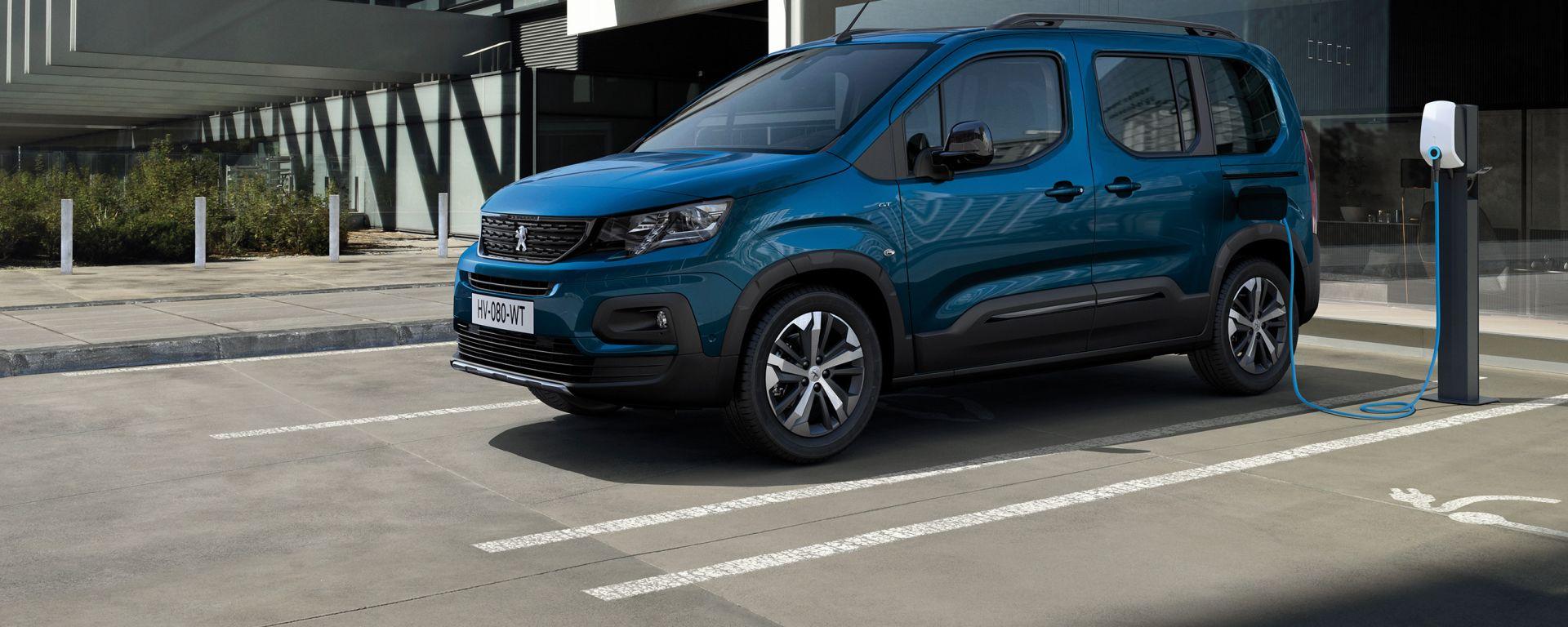 Nuova Peugeot e-Rifter, via agli ordini