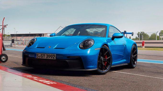 Nuova Porsche 911 GT3: la coupé tedesca ai box