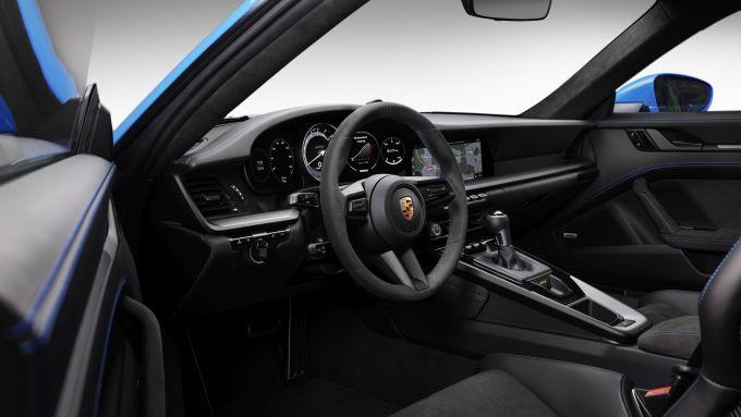 Nuova Porsche 911 GT3: ll'abitacolo della supercar di Zuffenhausen