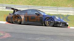 """Nuova Porsche 911 GT3 RS, al 'Ring in formato """"beast mode"""". Le foto spia - Immagine: 2"""
