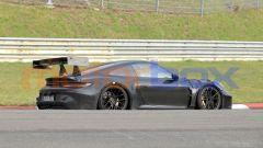 """Nuova Porsche 911 GT3 RS, al 'Ring in formato """"beast mode"""". Le foto spia - Immagine: 5"""