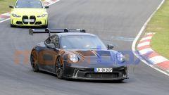 """Nuova Porsche 911 GT3 RS, al 'Ring in formato """"beast mode"""". Le foto spia - Immagine: 11"""