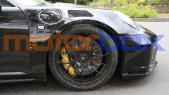 Nuova Porsche 911 GT3 RS: i freni carboceramici con pinze gialle