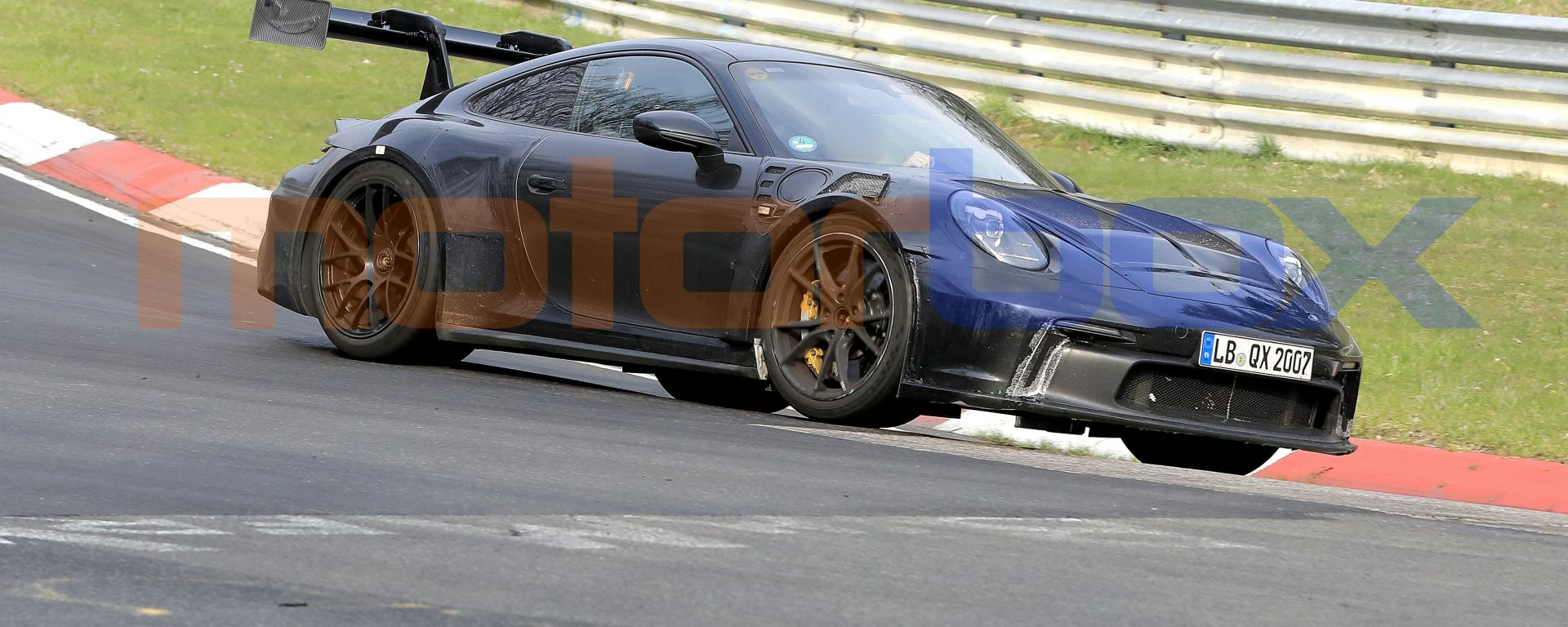 Nuova Porsche 911 GT3 RS, le foto spia dal 'Ring