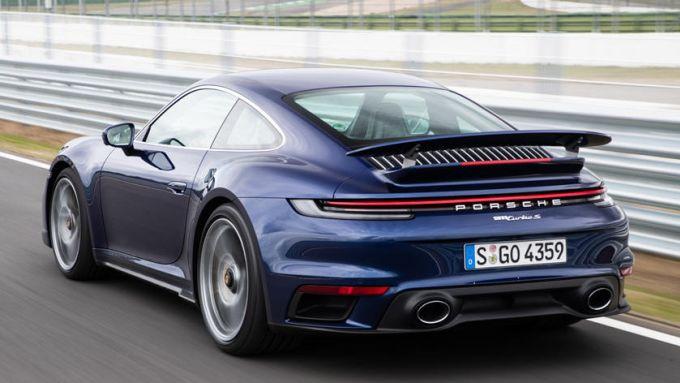 Nuova Porsche 911 ibrida: iniziano i collaudi dei prototipi con una Turbo speciale