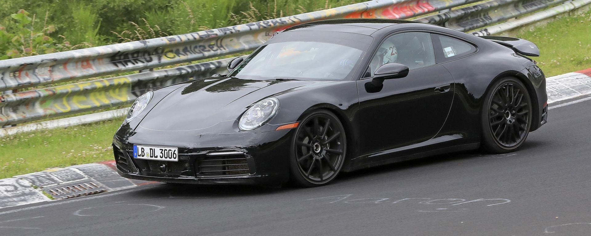 Porsche: avvistata la nuova 911 al Ring. Ecco il video