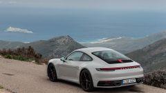 Nuova Porsche 911 Carrera: non è mai stata cosi bella, anche se...  - Immagine: 18