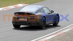 Nuova Porsche 911 Safari: anche da dietro si nota l'assetto rialzato