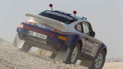Nuova Porsche 911 Safari: la 911 sulla sabbia del deserto durante la Dakar '84