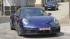 Nuova Porsche 911: in blu e in rosso, senza veli al 'Ring - Immagine: 13