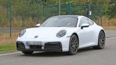 Nuova Porsche 911: in blu e in rosso, senza veli al 'Ring - Immagine: 8