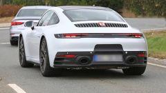 Nuova Porsche 911: in blu e in rosso, senza veli al 'Ring - Immagine: 9