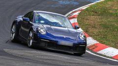 Nuova Porsche 911: in blu e in rosso, senza veli al 'Ring - Immagine: 3