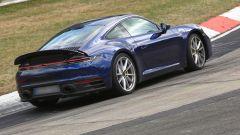 Nuova Porsche 911: in blu e in rosso, senza veli al 'Ring - Immagine: 1