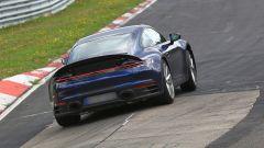 Nuova Porsche 911: in blu e in rosso, senza veli al 'Ring - Immagine: 7