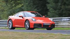 Nuova Porsche 911: in blu e in rosso, senza veli al 'Ring - Immagine: 2