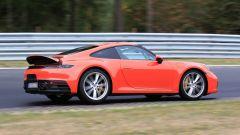 Nuova Porsche 911: in blu e in rosso, senza veli al 'Ring - Immagine: 4