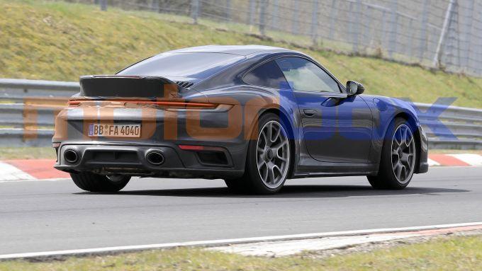 Nuova Porsche 911 Sport Classic: inedita versione su base 992