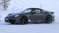 Nuova Porsche 911 targa 2020: foto spia al Circolo Polare Artico