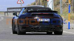 Nuova Porsche 911 Turbo Cabrio 2020 a capote aperta: il posteriore