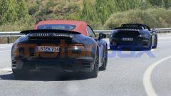 Nuova Porsche 911 Turbo Cabrio 2020 nelle due configurazioni: chiusa e aperta
