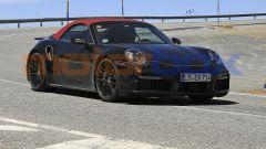 Nuova Porsche 911 Turbo Cabrio 2020: vista 3/4 anteriore