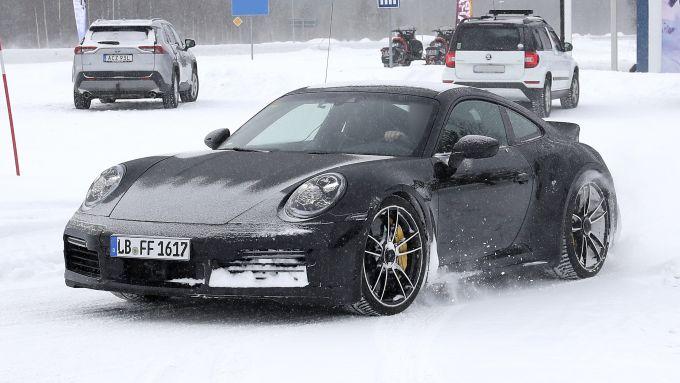 Nuova Porsche 911 Turbo S Duck Tale: stile evergreen per la coupé tedesca