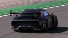 Nuova Porsche 935: la Moby Dick in video dal Circuito di Monza - Immagine: 1