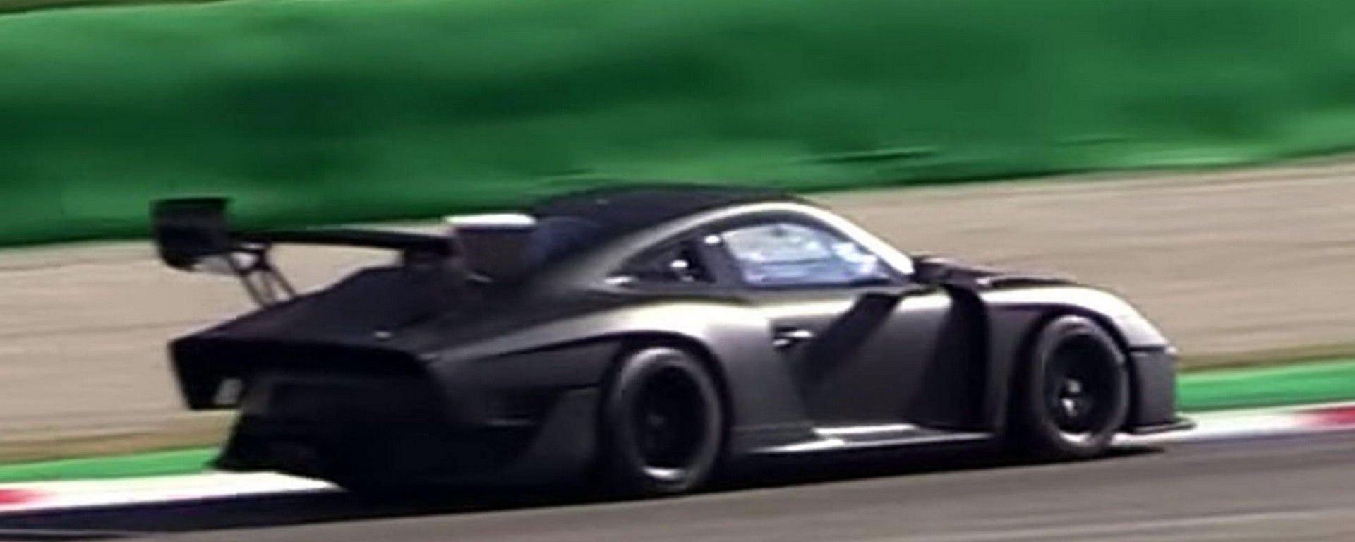 Nuova Porsche 935: la Moby Dick in video dal Circuito di Monza