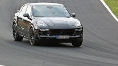 Nuova Porsche Cayenne Coupé in pista al Nurburgring