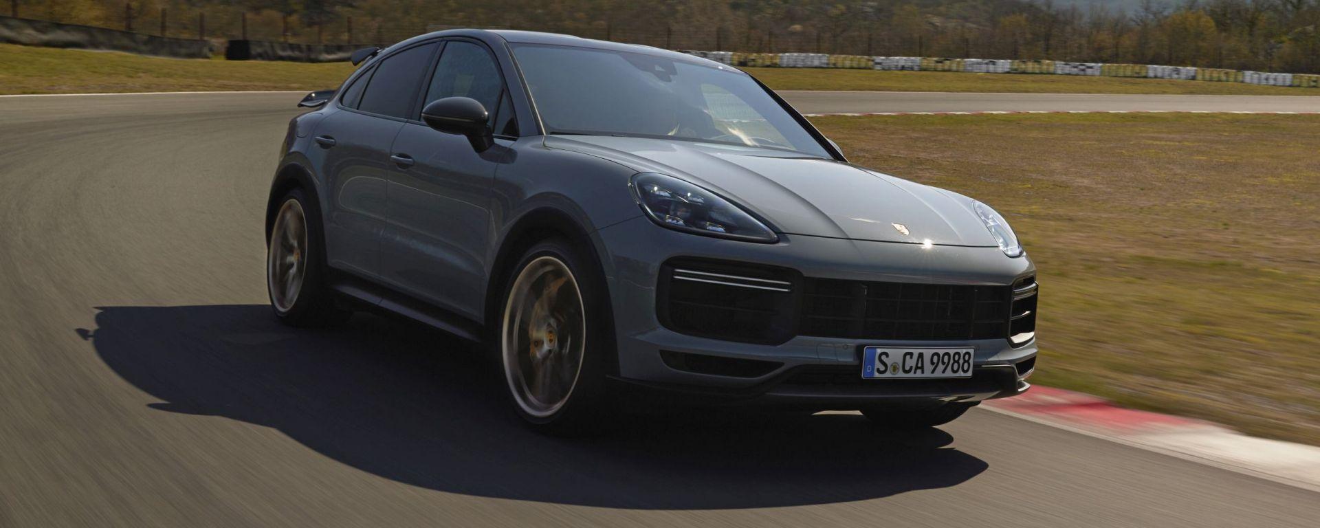 Nuova Porsche Cayenne Turbo GT: il SUV coupé da 640 CV