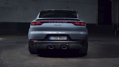 Nuova Porsche Cayenne Turbo GT: visuale posteriore