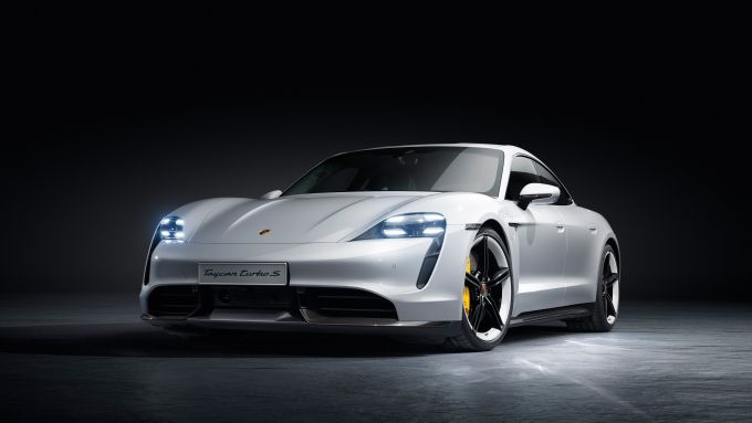 Nuova Porsche Macan elettrica: la Taycan è la prima EV della Casa di Zuffenhausen