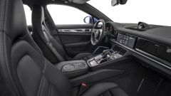 Nuova Porsche Panamera 2017: gli interni
