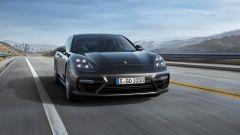 Nuova Porsche Panamera 2017 - Il 3/4 anteriore della Turbo