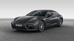 Nuova Porsche Panamera 2017, il trequarti anteriore